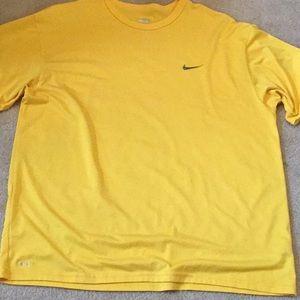 Basic Nike dri fit  T-shirt